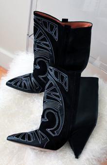 Awesome boots ! fashion isabelmarant