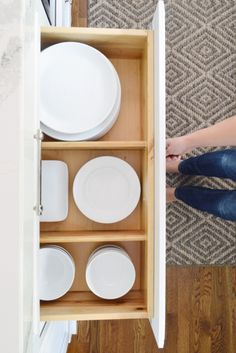 The Pros To Having Drawers Instead Of Lower Cabinets In Your Kitchen.  Looking For Ideas