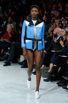Ils ne sont pas tous français mais profitent de la nouvelle énergie créatrice de Paris pour inventer le futur de la mode.