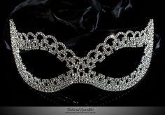 Lonie Swirl Cluster Silver Masquerade Mask | Crystal