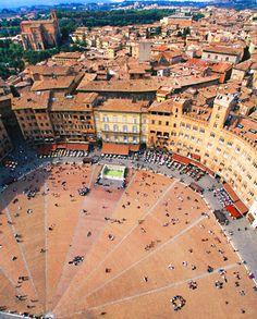 Piazza del Campo  Siena, Italy