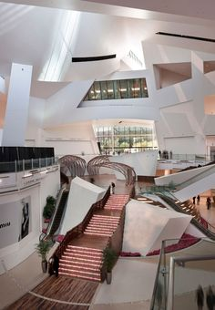 CRYSTALS by Daniel Libeskind for MGM MIRAGE City Center    A clear separation between the interior and the exterior environments enhances the building's envelope design, while the finished architectural appearance of the building is characterized by a dynamic unpredictable, yet controlled chaos.