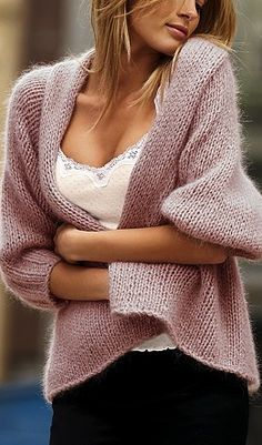 I saved this because I like the knitted garment; the link took me to a Russian site with very beautiful knitted and crocheted items. Pull Mohair, Pulls, Knitting Projects, Knit Cardigan, Loose Knit Sweaters, Fall Sweaters, Cashmere Cardigan, Fall Outfits, Knitwear