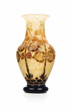 A SCHNEIDER CAMEO GLASS VASE -  CIRCA 1930