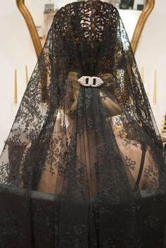 Mantilla española. Prepara tu pelo para la Semana Santa