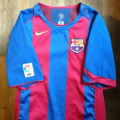 d85fccf8f2c 2004-2005 FC Barcelona Home Jersey // • Primera equipació del FC Barcelona  per