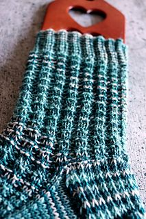 The structure socks have a simple, yet effective pattern that suits your needs. The structure socks have a simple, yet effective pattern that spice up your socks a bit. The interrupted ribs are suitab. Inexpensive Jewelry, Different Stitches, Wordpress, Knitted Slippers, Basic Shapes, Knitting Socks, Knit Socks, Spice Things Up, Knit Crochet