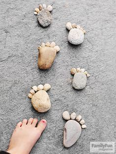 Here's a fun scene for other hikers to stumble upon. Arrange faux feet made of stones (or other materials, such as twigs or leaves) as if they're ambling along a path or into water. Nature Activities, Outdoor Activities, Activities For Kids, Nature Crafts, Fall Crafts, Crafts For Kids, Recycled Art Projects, Easy Projects, Science Projects