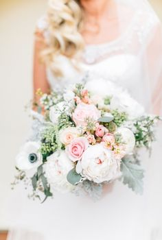 Dusty miller and rose bouquet | Lora Grady Photography