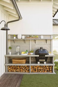 Grill & outdoor kitchen: Newport Beach House Tour