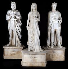 "Collection of royal statues from Castle Cair Paravel. This collection of large statues includes "". on Oct 2014 Narnia Costumes, Star Rain, Cair Paravel, The Valiant, Chronicles Of Narnia, Cs Lewis, Jrr Tolkien, Queen, Stone Carving"