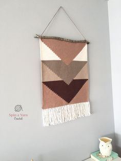 Retro Embroidery Ideas Retro Crochet Wall-Hanging - Hi, all! I have been working on a crocheted wall-hanging for the last several weeks. Crochet Wall Art, Crochet Wall Hangings, Yarn Wall Hanging, Tapestry Crochet, Diy Crochet Wall Hanging, Crochet Decoration, Crochet Home Decor, Crochet Crafts, Crochet Yarn