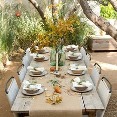 One of my favorite Thanksgiving table settings. For more visit #RipPlusTan || Recipes to follow!