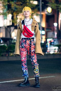 Charles Jeffrey Tokyo Streetwear Style w/ Painted Pants, Cropped Hooded Jacket, Yellow Hair, Vintage Waistbag, Eytys & JBCG Japanese Street Fashion, Tokyo Fashion, Fashion News, Fashion Trends, Streetwear Mode, Streetwear Fashion, Harajuku Japan, Japanese Hairstyle, Quirky Fashion