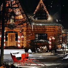 ❄ 20 Magical, Snowy, Animated Christmas Scenes To Start Getting You In The Holiday Mood Christmas Scenes, Noel Christmas, Country Christmas, Winter Christmas, Christmas Lights, Christmas Decorations, Log Cabin Christmas, Outdoor Christmas, Christmas Houses