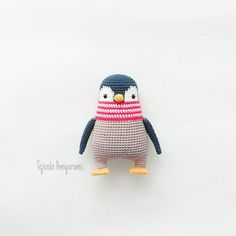 pinguin crochet - Without pattern Diy Crochet Toys, Cute Crochet, Crochet Crafts, Crochet Dolls, Crochet Projects, Knit Crochet, Crochet Penguin, Crochet Birds, Amigurumi Patterns