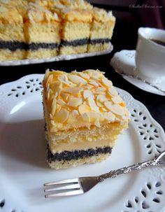 Rewelacyjne Ciasto Makowo-Adwokatowe - Przepis - Słodka Strona Cake Recipes, Dessert Recipes, Polish Recipes, Homemade Cakes, Yummy Cakes, Delicious Desserts, Cupcake Cakes, Sweet Tooth, Cheesecake