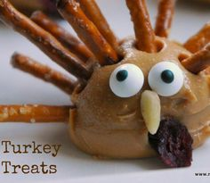 Turkey Thanksgiving Snack - peanut butter & pretzel treat by Meaningful Mama
