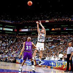 Dan Majerle shoots over Reggie Miller- 1995 NBA All-Star Game