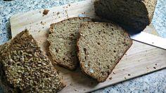 Przepis na chleb bananowy bez drożdży, również w wersji bez glutenu. Idealny i szybki w przygotowaniu, sprawdzi się jako zamiennik tradycyjnego pieczywa.