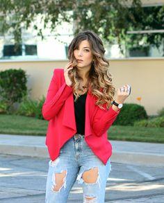 Red blazer / Distressed boyfriend jeans