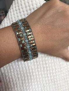 Beaded Bracelet Patterns, Woven Bracelets, Seed Bead Bracelets, Seed Bead Jewelry, Jewelry Patterns, Beading Patterns, Beaded Jewelry, Handmade Jewelry, Seed Bead Projects