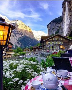 Lauterbrunnen, Switzerland  ➖➖➖➖➖➖➖➖➖➖➖➖➖ Photo by: @sennarelax ➖➖➖➖➖➖➖➖➖➖➖➖➖ Tag your best landscape photos with #travellingthroughtheworld or send them in direct for a chance to be featured
