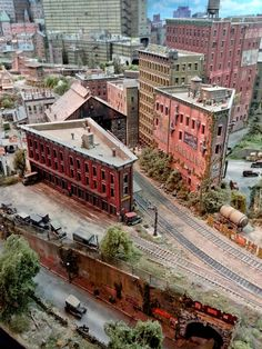 Magnificent #miniature #buildings on this #model #train #layout