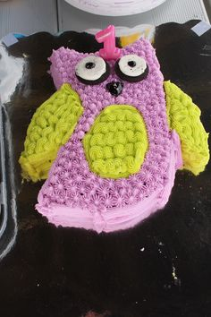 My daughters first owl birthday cake that I made for her!