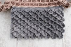 Crocodile Stitch For The Roof Of The House
