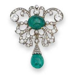 A late century emerald and diamond brooch Sparkly Jewelry, Emerald Jewelry, High Jewelry, Victorian Jewelry, Antique Jewelry, Vintage Jewelry, Diamond Brooch, Art Deco Diamond, Antique Brooches