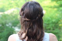 Easy Summer Hairstyles: Half-Up Messy Braid | Beauty Basics