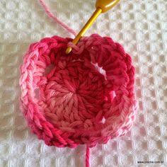 Flor+roseta+passo+a+passo+-+www.croche.com+(20).JPG (1600×1600)