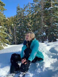 Baby Winter, Winter Snow, Winter Holidays, Ski Girl, Ski Season, Winter Season, Snowy Day, Winter Pictures, Winter Travel