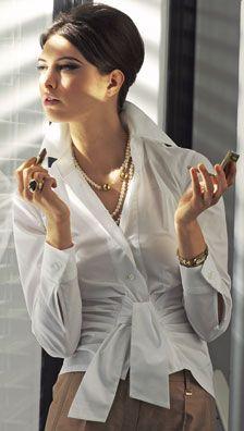 Twist effect shirt #camisa branca #blusa #laço #pérolas