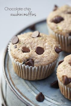 Chocolate chip zucchini muffins I Heart Nap Time | I Heart Nap Time - Easy recipes, DIY crafts, Homemaking