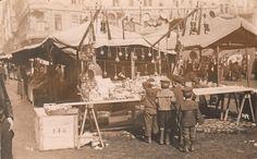 Reach, Zikmund - Hračkářské trhy na Staroměstském náměstí (Toy markets on Old Town Square) (from the series Pražské typy - Prague types), gelatin silver print