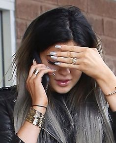 Nails are always a bit spicy Uñas Kylie Jenner, Acrylic Nails Kylie Jenner, Kardashian Jenner, Cartier Watches Women, Jenner Girls, Celebrity Fashion Looks, Jenner Family, Jenner Sisters, Thing 1