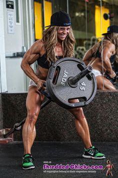 #Bodybuilding Profi #DaniReardon beweist, dass Frauen mit #Muskeln nicht…