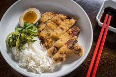 Nom Wah Kuai, located in Canal Street Market, offers dumplings and fast-casual Chinese food where New York's SoHo and Chinatown neighbourhoods merge.