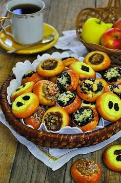 Posvícenské stoleté Biscuit Cookies, No Bake Cookies, Czech Recipes, Traditional Cakes, Cookie Designs, Sweet Desserts, Baking Recipes, Biscuits, Sweet Tooth
