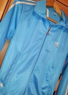 Kup mój przedmiot na #vintedpl http://www.vinted.pl/damska-odziez/bluzy/13045208-bluza-adidas-original-niebieska-srebrne-logo-34-36-38