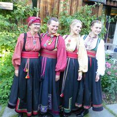 Bilderesultat for beltestakk barn Dance Dresses, Bridal Dresses, Bridesmaid Dresses, Folk Costume, Costumes, Traditional Outfits, Fiber Art, Vintage Photos, Norway
