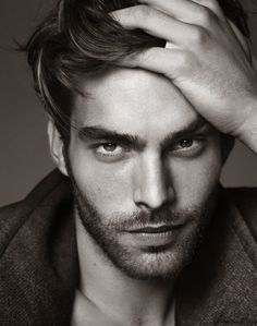 Jon Kortajarena posing for El Pais portrait session captured by Nico.