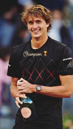 Sascha Zverev Cute Celebrity Guys, Cute Celebrities, Gorgeous Men, Beautiful People, Alexander Zverev, European Men, Tennis Legends, The Prince Of Tennis, Lawn Tennis