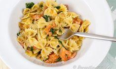 Laxpasta med pesto och rökt lax Pesto, Pasta Salad, Ethnic Recipes, Crab Pasta Salad