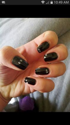 Easy Halloween nails!