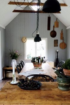 962 Likes, 34 Comments - Elin Lannsjö Moving Day, Cabins In The Woods, White Wood, Homesteading, Tiny House, Table Settings, Dining Room, Cottage, Layout