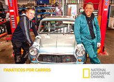 """Duas equipes de desmontadores de automóveis competem entre si em busca de carros e desmontando-os para vender as partes. """"Fanáticos por Carros"""" no Super Máquinas. #EuViNoNatGeo #NatGeo Confira conteúdo exclusivo no www.foxplay.com"""