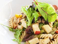 Nudelsalat mit Äpfeln und Tomaten ist ein Rezept mit frischen Zutaten aus der Kategorie Nudelsalat. Probieren Sie dieses und weitere Rezepte von EAT SMARTER!